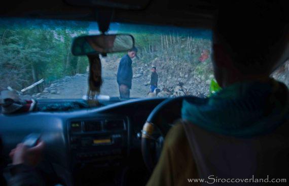 Taxi ride through Eshkashim