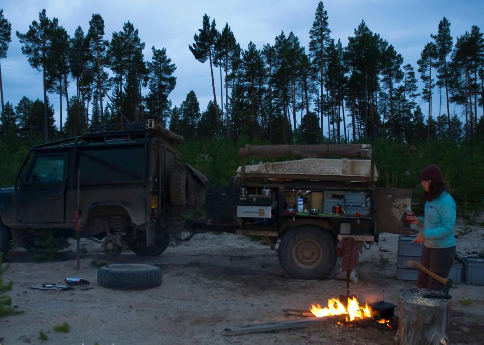 overland, adventure, fire, wildcamp, land rover, defender, 90, 4x4,